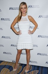 Joanna Krupa @ International Medical Corps 2011 Annual Awards November 8, 2011 HQ x 7
