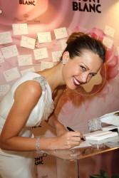Петра Немсова, фото 4035. Petra Nemcova Montblanc Jewellery Brunch Celebrating Collection Princesse Grace De Monaco Hotel Bel-Air in Los Angeles, 25.02.2012, foto 4035