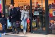 Джессика Альба, фото 25391. Jessica Alba out shopping in Paris, France, March 2, foto 25391