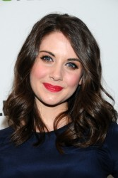 Элисон Бри, фото 591. Alison Brie PaleyFest presentation of 'Community' at Saban Theatre on March 3, 2012 in Beverly Hills, California, foto 591