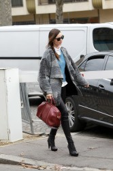 Миранда Керр, фото 3763. Miranda Kerr - arriving at the Miu Miu runway show, Paris - March 7, foto 3763