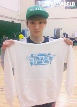 [Trad/Pics] Atualização no site do SHINee - Key no musical Catch Me If You Can C37522195013898