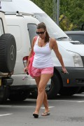aed967207032587 Imogen Thomas wearing shorts In North London (Aug. 21) candids