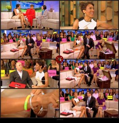 Robin Roberts---30.08.2012--legs---GMA-abc---USA